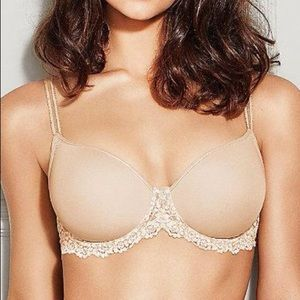 NWT WACOAL Embrace Lace Nude Underwire T-Shirt Bra